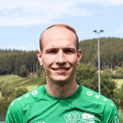 16 Nikolas Martel